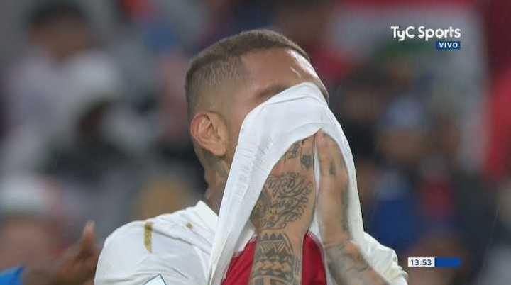 El llanto de los jugadores de Perú tras quedar eliminados