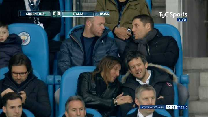 Caniggia y Rooney mirando el partido