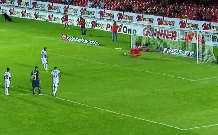 Marchesín atajó un penal por Copa MX