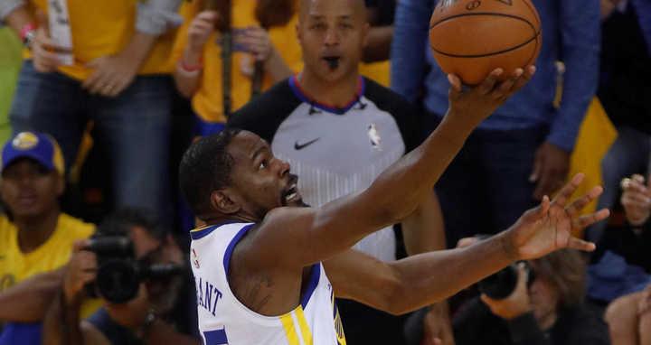 Durant, otra vez clave en los Warriors