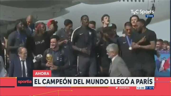 Los campeones del mundo ya aterrizaron en Francia