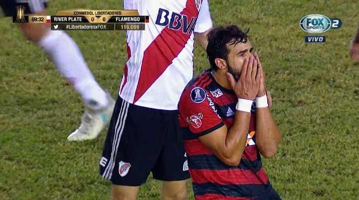 Dourado lo tuvo para Flamengo