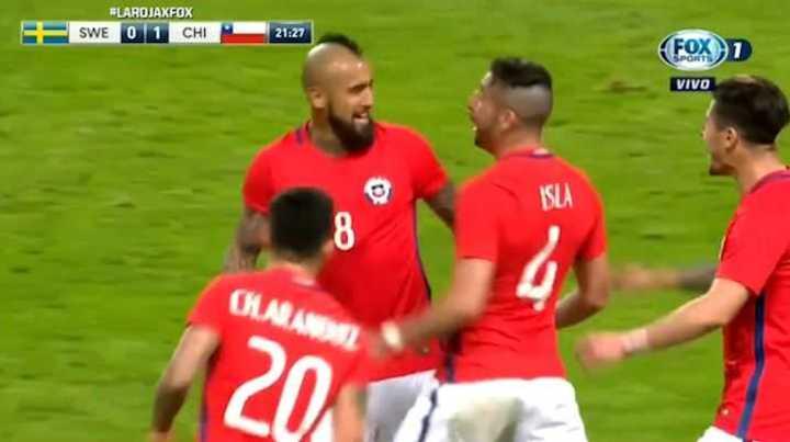Vidal marcó el primero de Chile frente a Suecia