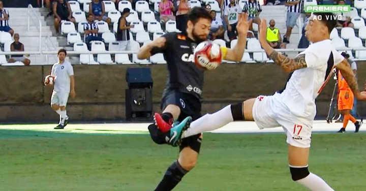 Jugador del Botafogo sufre terrible lesión
