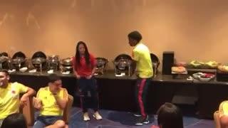 Juanfer Quintero baila con Cuadrado y Falcao