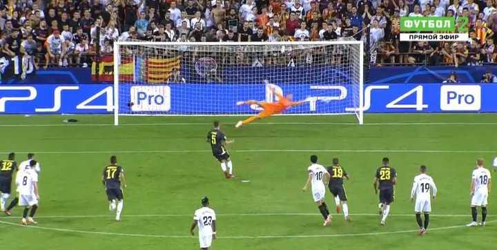 Juventus lo gana 2 a 0 con goles de penal de Pjanic