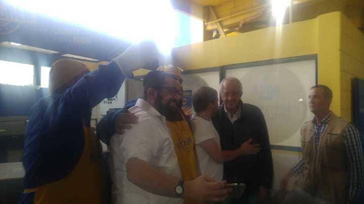 Rodolfo D'Onofrio pasó por el local de comida Kosher en la Bombonera