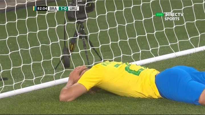Brasil casi mete el segundo