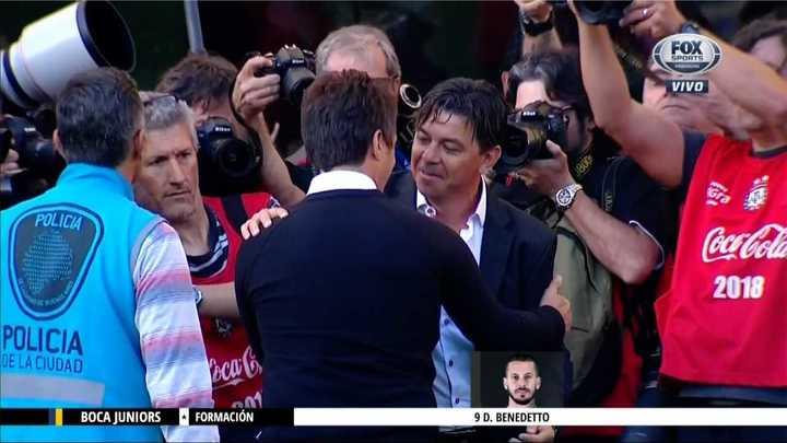 Así se saludaron Guillermo y Gallardo