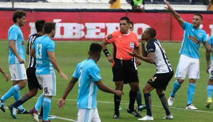 Alianza Lima y Sporting Cristal, suspendido