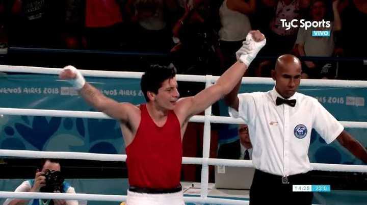 Brian Arregui se quedó con la medalla dorada en boxeo