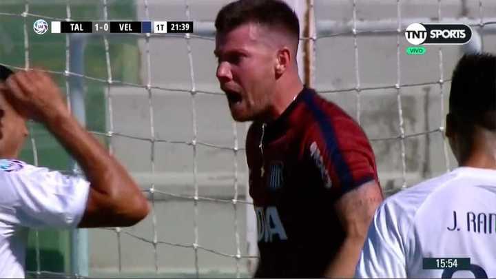 ¡Increíble Herrera! tapó un penal y salvó en el rebote