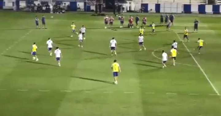 Golazo de Paredes en el entrenamiento de la Selección