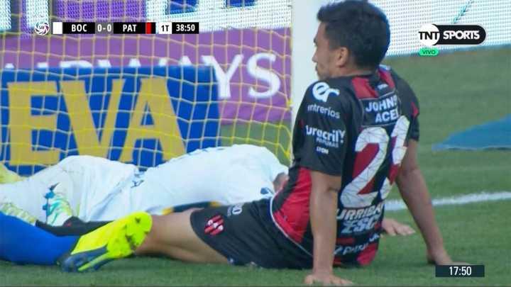 Urribarri se la sacó a Espinoza en la línea