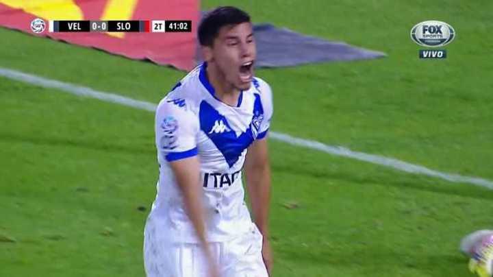 Gol bien anulado a Vélez