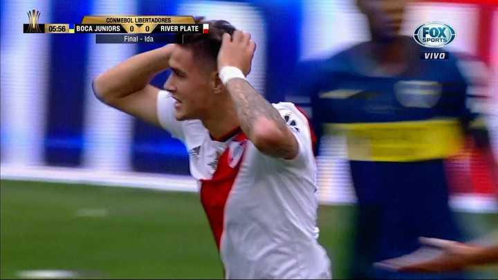 Martínez Quarta probó de cabeza y estuvo muy cerca