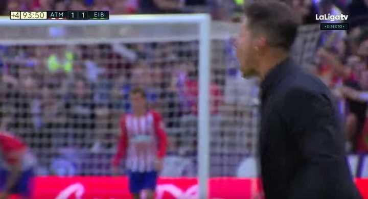 Simeone grita alocado el empate del pibe Borja Garcés