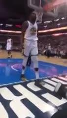 Kevin Durant se cruzó con un hincha