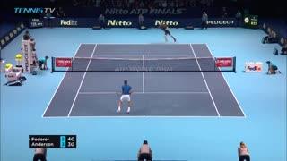 Puntazo de Federer ante Anderson en el Masters de Londres
