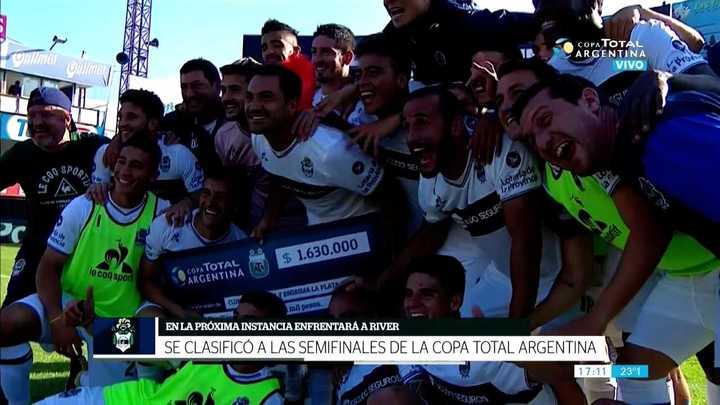 Gimnasia pasó a semis por penales