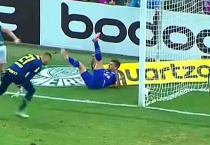 De Arrascaeta salió reemplazado en el Cruzeiro