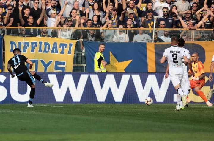 Joaquín Correa sentenció el 2-0 de Lazio sobre Parma