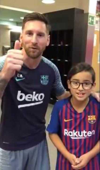 Messi apoyó al hijo de Vidal en su campaña para mejor youtuber