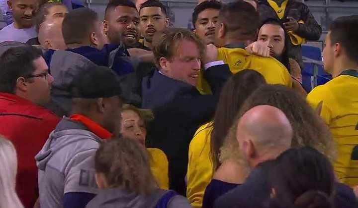 Así fue la pelea del jugador de rugby australiano con un hincha