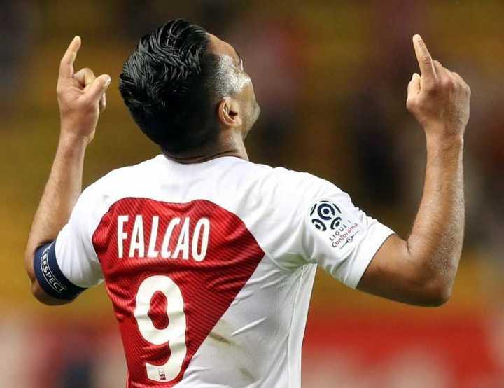 El gol de Radamel Falcao al Nimes