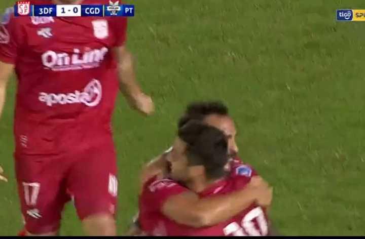 El gol de Fredes para el Rojo paraguayo
