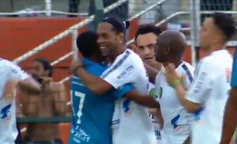 La magia inoxidable de Ronaldinho