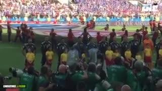 El himno argentino desde adentro y la llamativa posición de Caballero