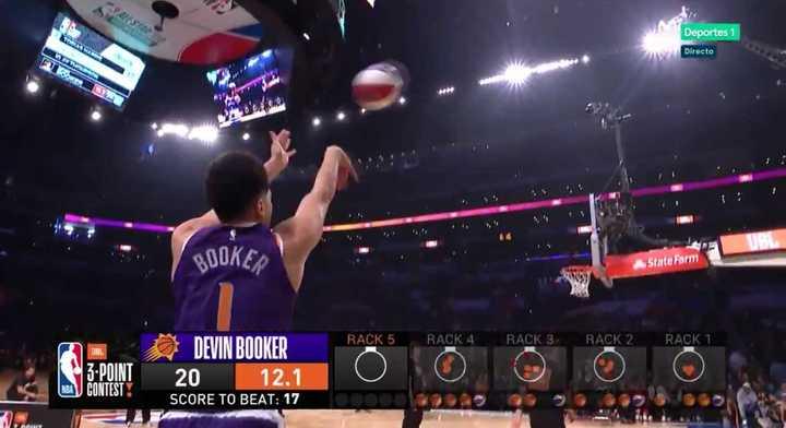 Booker se quedó con el torneo de triples y metió récord