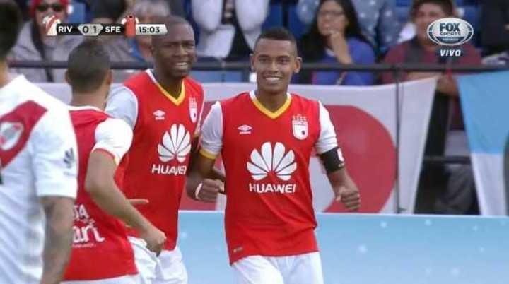 Tesillo metió el primero de Independiente
