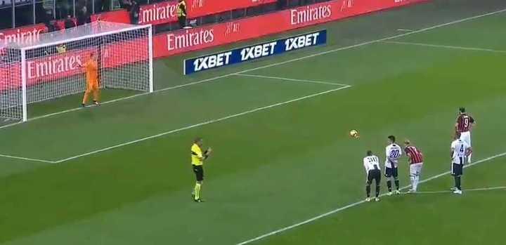 Higuaín erró un penal para Juventus.