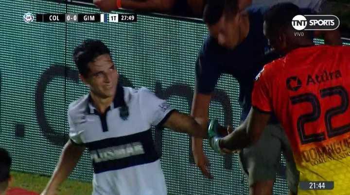 Tremenda doble atajada de Domínguez