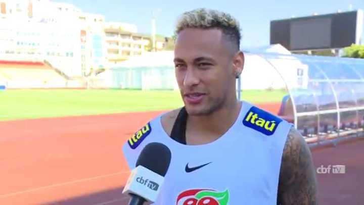 Neymar habló con la prensa