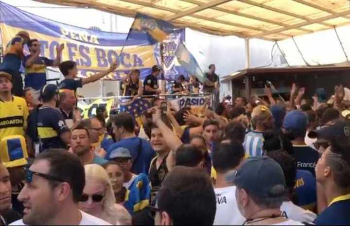 Los hinchas de Boca coparon Barcelona