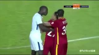 Demba Ba se enfureció por un comentario racista