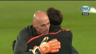 Messi y Caballero se abrazaron