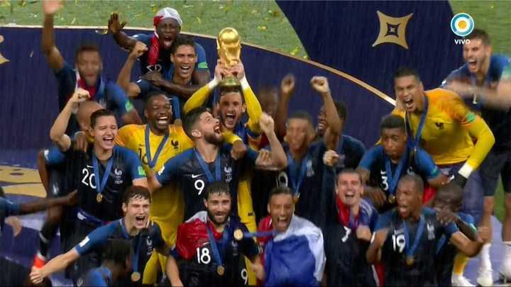Los franceses levantaron la Copa