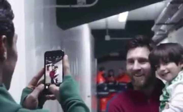 Hijo de Andrés Guardado conoce a Messi