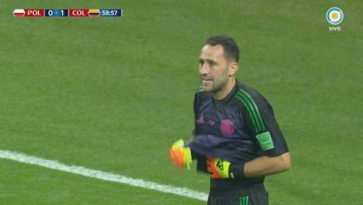 Ospina le tapó el mano a mano a Lewandowski