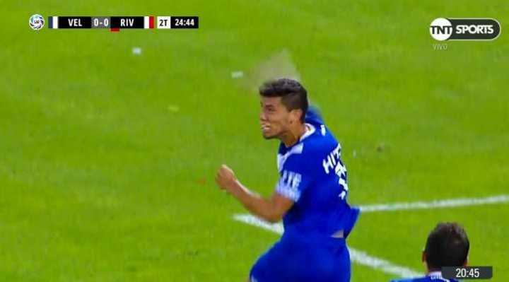 Falló Ponzio, gol de Vélez