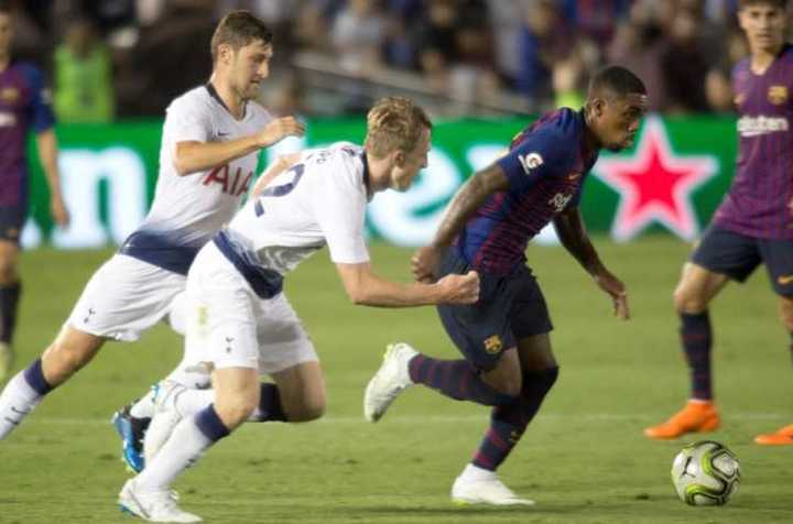 AS Roma provocó a Barcelona al
