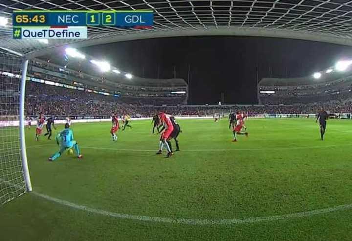 Un error de Barovero le dio un gol a Chivas
