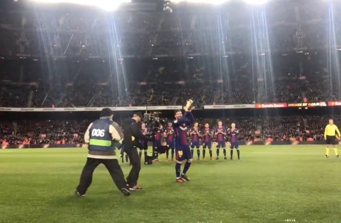 Messi luce la Bota de Oro