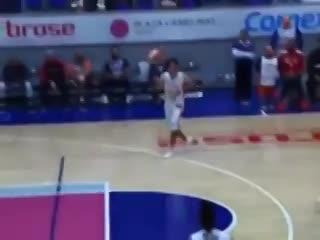 ¡El Keko jugó al básquet!