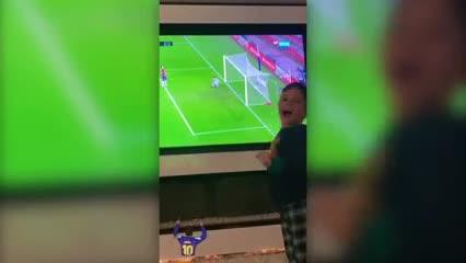 El festejo de los hijos de Leo tras el gol de su papá