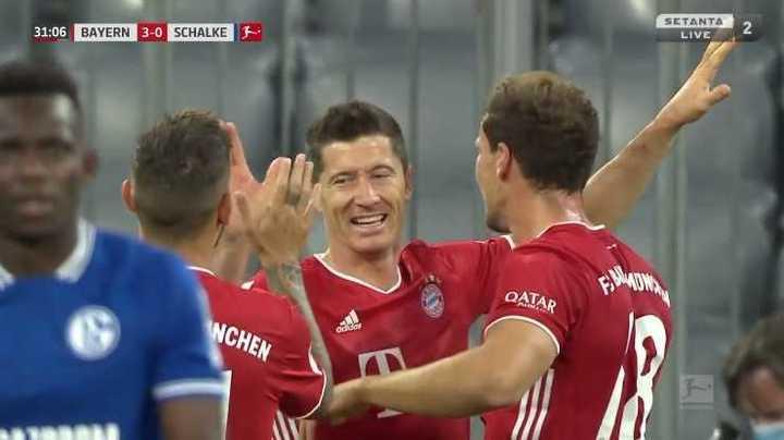 Lewandowski hizo el tercero